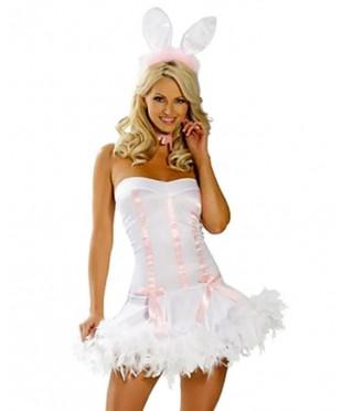 Белоснежный костюм кролика